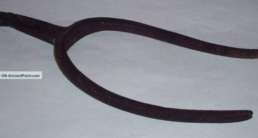 Antique American Primitive Hand Wrought Iron Pitchfork Late