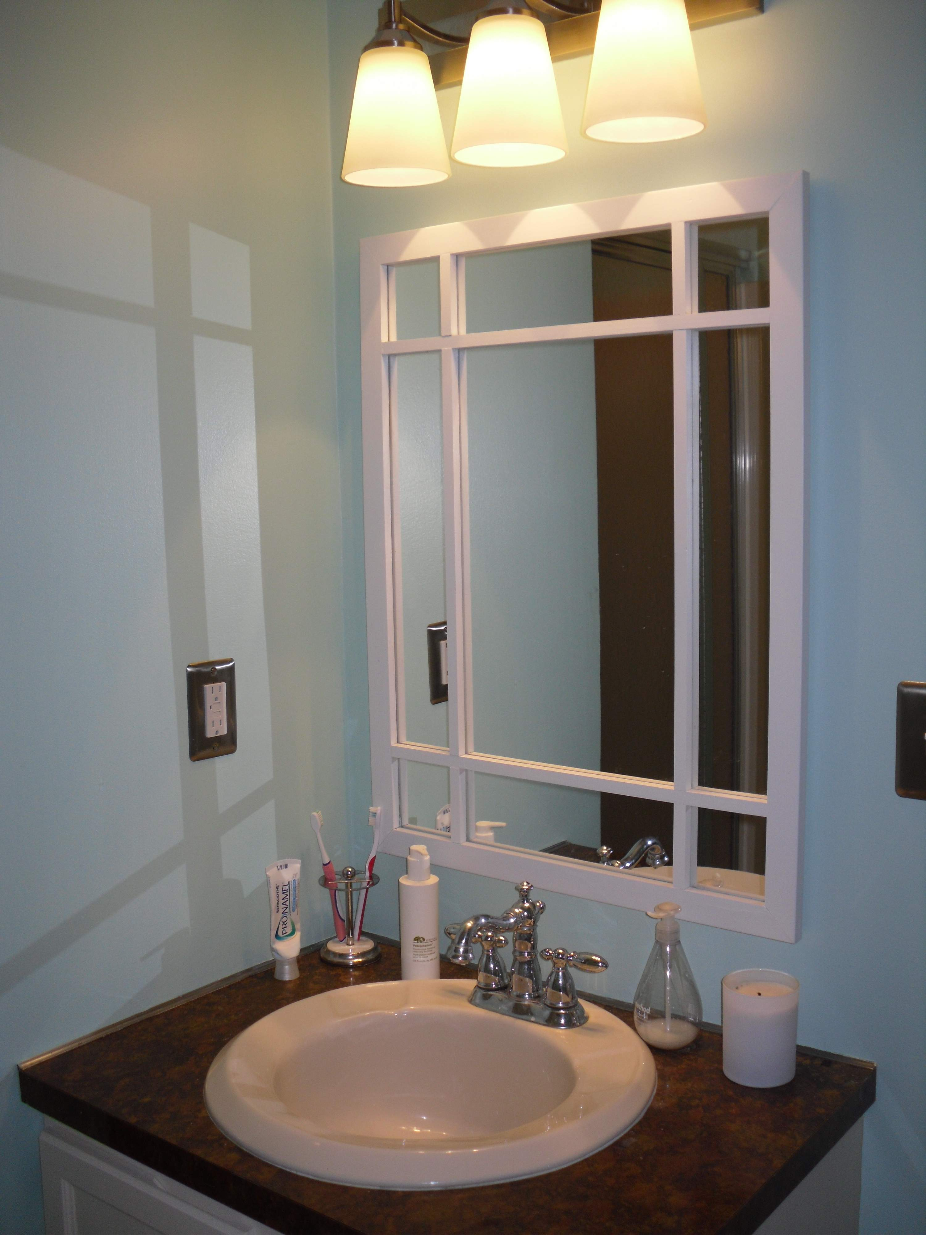 Bathroom Manages Colors Small Bathrooms