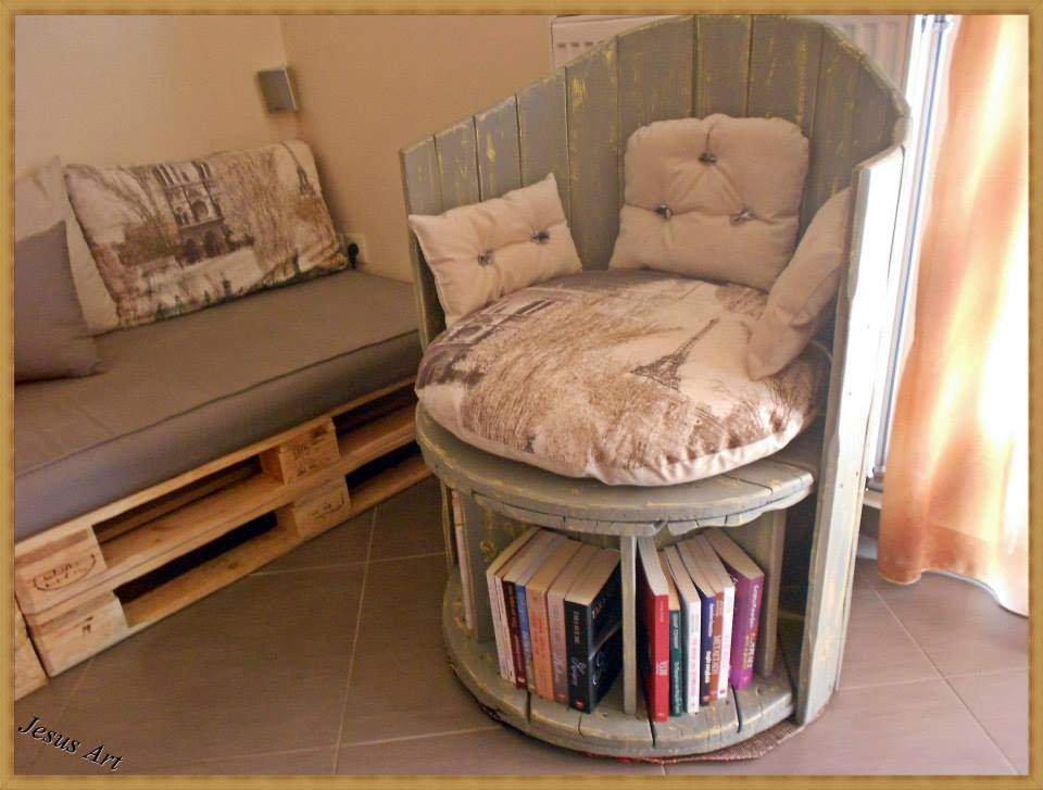 Built Using Wooden Cable Coil Palletsdiy Pallet Furniture