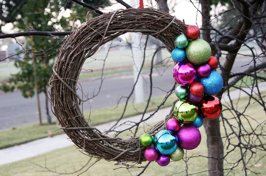 Colorful Ornaments Wreaths Seems Thing
