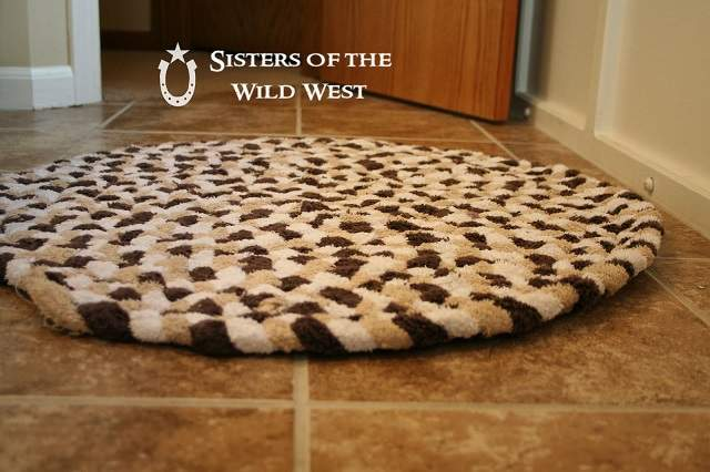 Diy Braided Rug Tutorial Recycling Old Towels Home
