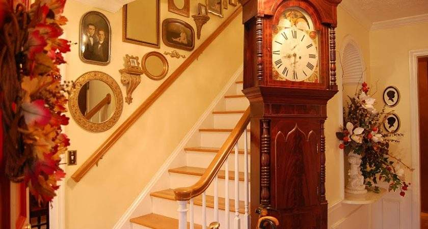 June Stairway Wall Decorating Ideas