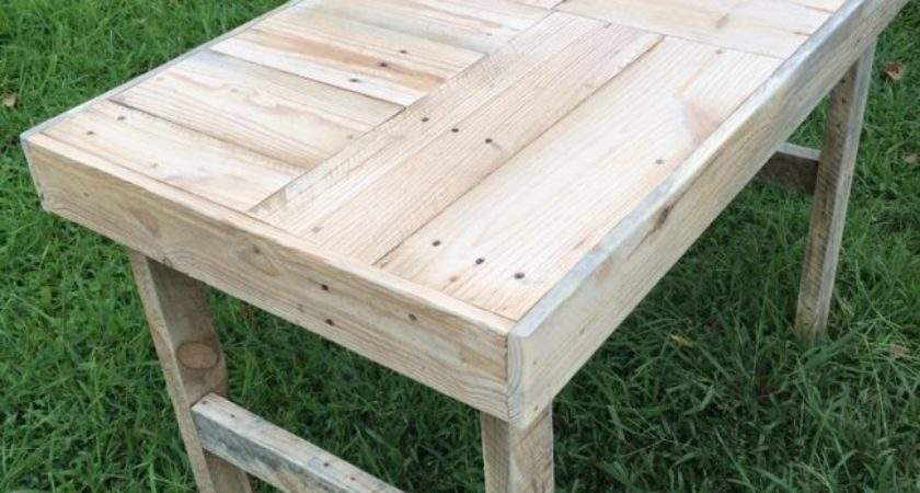 Recycled Wooden Pallet Patio Bench Ideas
