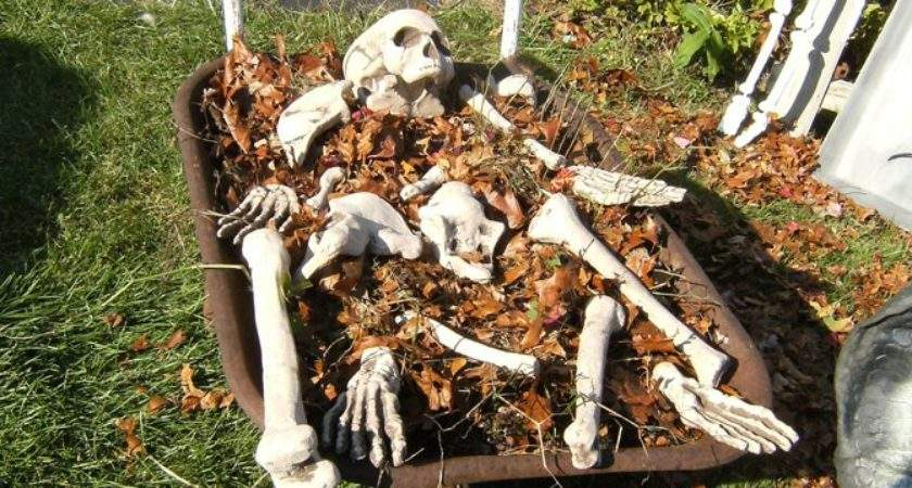Scary Halloween Decorations Ideas Magment