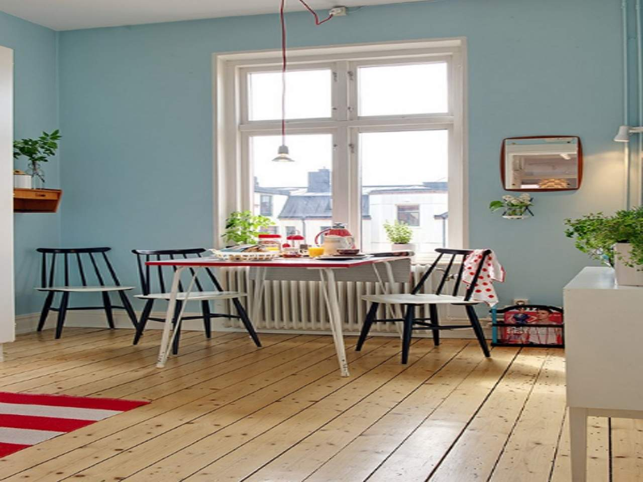 Small Dining Room Decor Apartment Table
