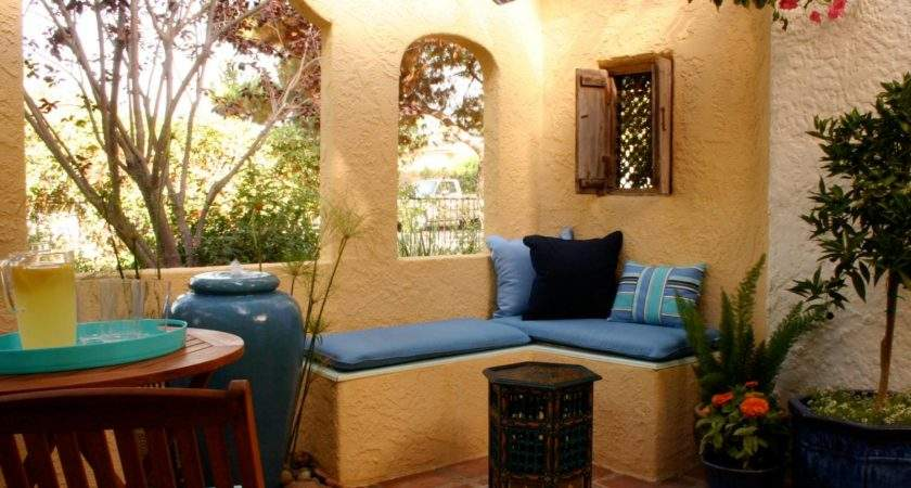 Spanish Style Stucco Patio Porch Bungalow Gets