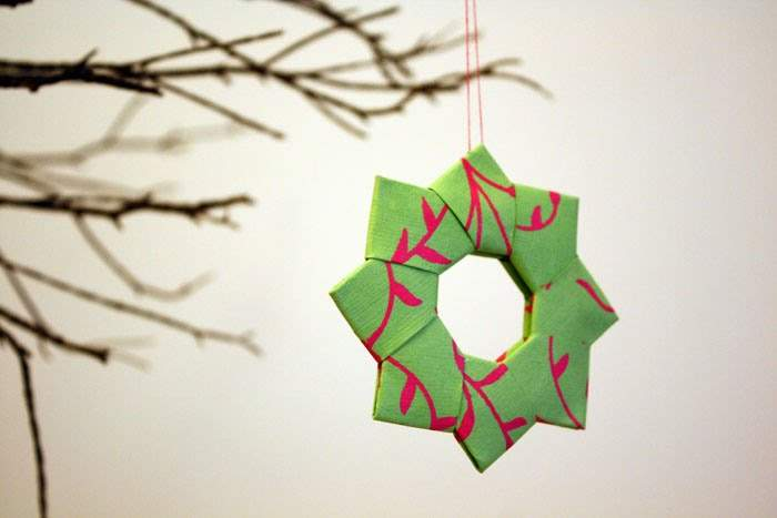 These Pretty Wreaths Can Made Out Any Kind Decorative Paper