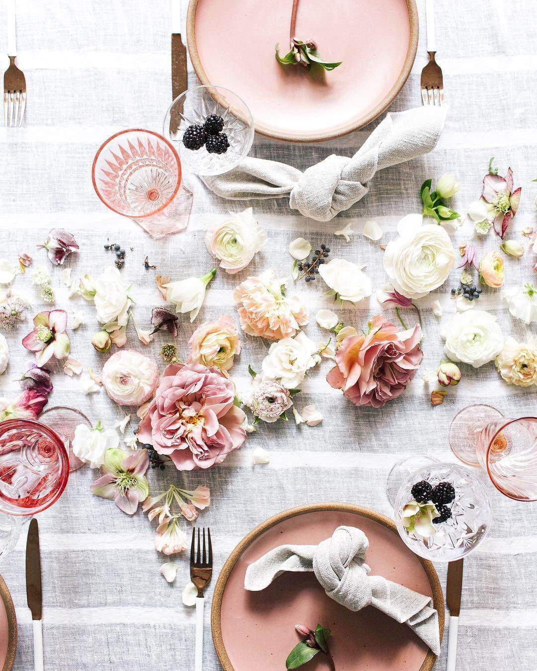 Your Guide Ultimate Romantic Table Setting